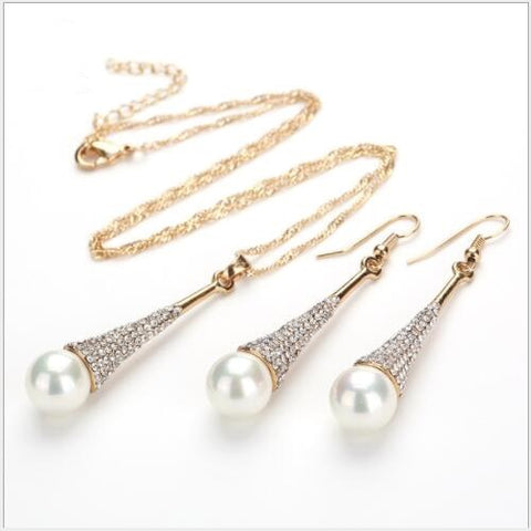 FANTASTIC ! FLAWLESS CREATED DIAMOND 18K GOLD PLATED GERMAN SILVER PEARL SET