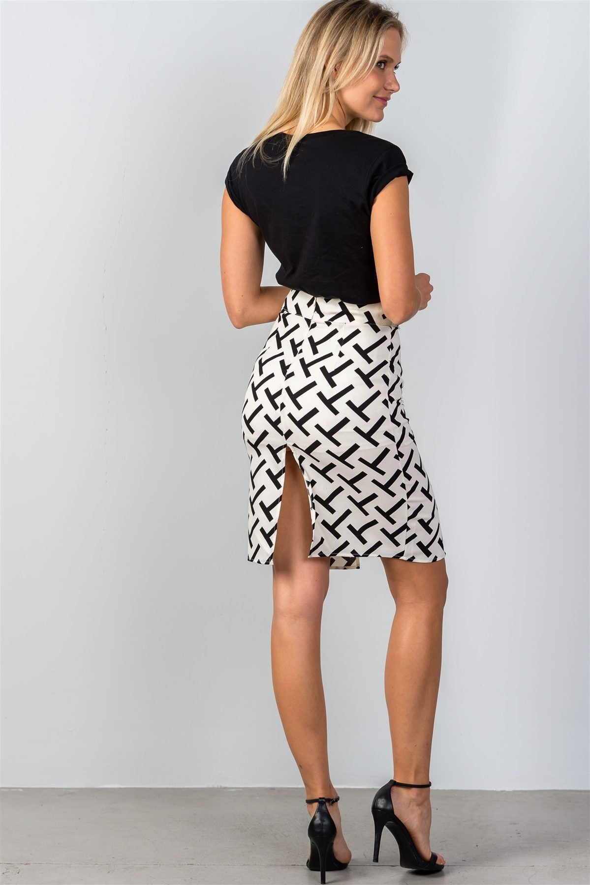 "Black & White ""T"" print double split pencil mini skirt"