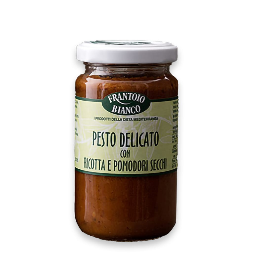 Italian delicate pesto with sun dried tomatoes and ricotta Frantoio Bianco