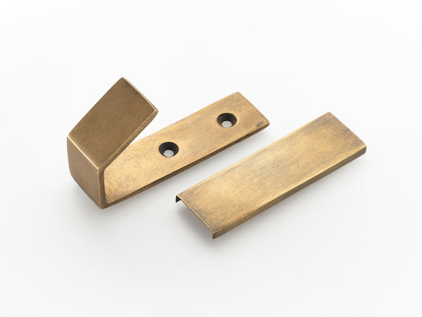 Art deco coat hooks. Simple stylish wall and door hooks supplied with fitting screws and screw plate cover.TFM2BH