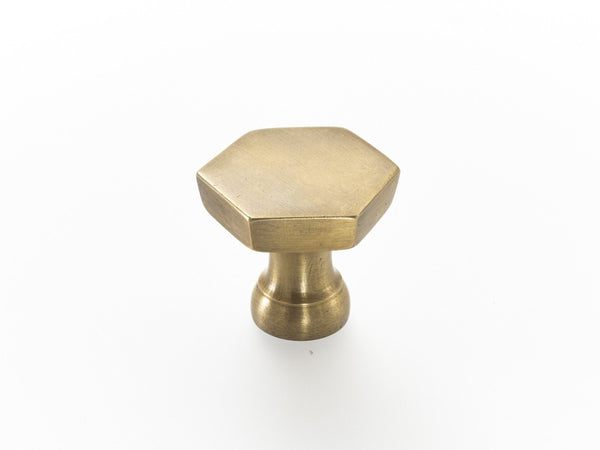 Hexagonal brass drawer pulls. Solid brass with fitting screws provided. Perfect for kitchen makeovers, furniture upsizing or interior design projects.