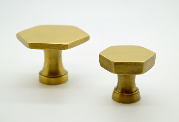 XL Hexagonal Brass handles & pulls. Perfect for kitchen makeovers,kitchen drawer pulls, furniture or interior design projects.