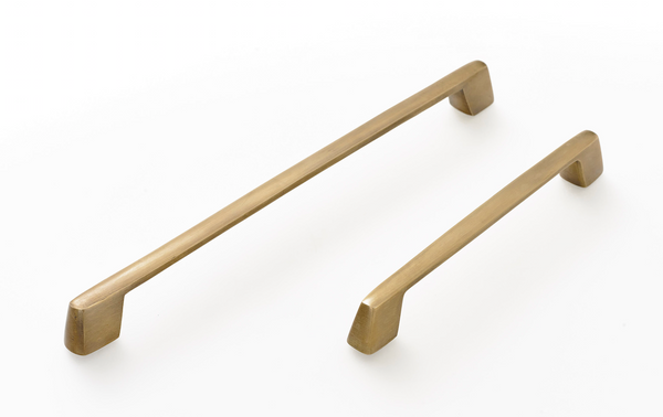 Brass cabinet handles. Kitchen drawer handles. Supplied with fitting screws. Solid brass in antiqued patina finish.