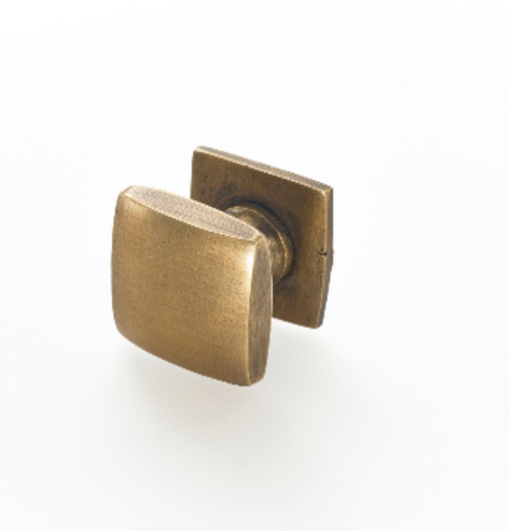 Brass pulls and Handles. Stylish designs for Kitchen makeovers and Furniture restoration projects.