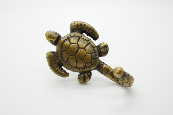 Brass wall and door turtle hooks. . Gorgeous bedroom of closet wall hooks. Supplied with screws. Ship worldwide