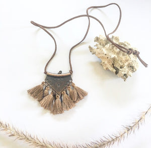 Tassel necklace vintage brown - Seeyacollection
