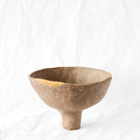 Ceramic footed bowl by Melbourne ceramicist Hana from Dasa Ceramics