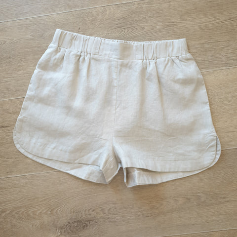 Little lies Lola linen shorts in Natural