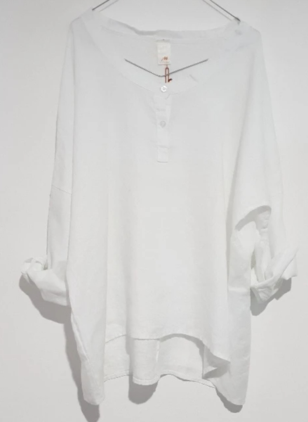 Montaigne slouchy linen top in White