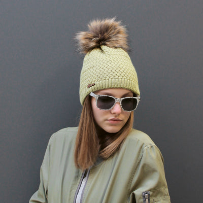 LOUISE 074 Adult cap united with faux fur pompom