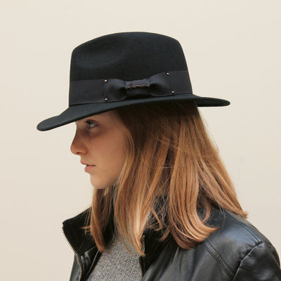 MAC HAWK (C) Black felt hat with ribbon