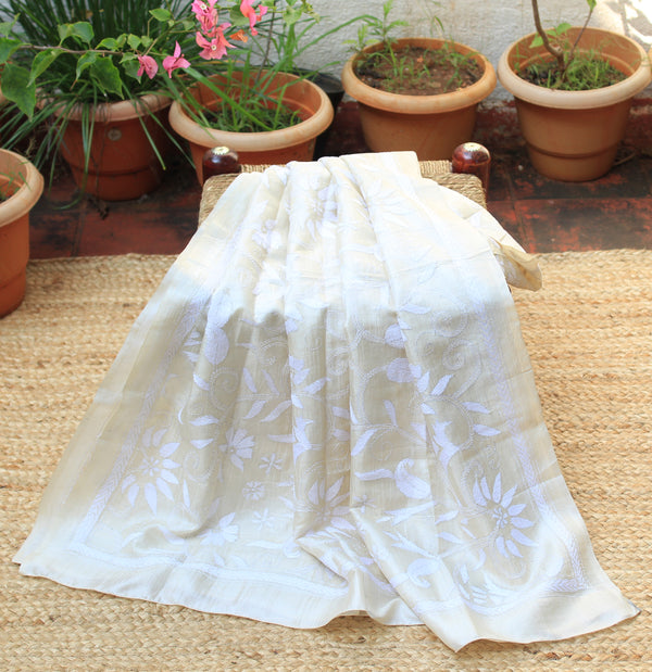 Ivory and White Bengal Kantha Hand Embroidered Tussar Silk Handloom Dupatta