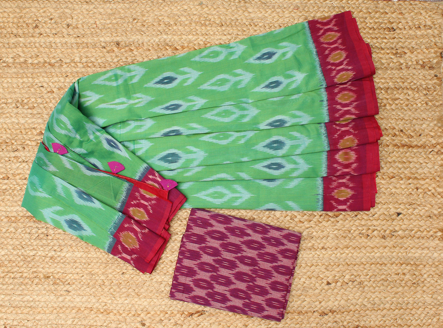 Green Pochampally Ikkat Handloom Saree with Purple Ikkat Blouse Piece