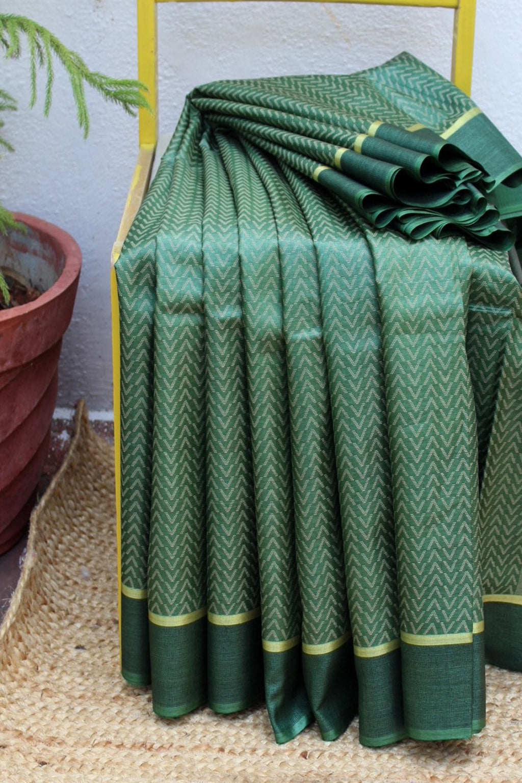 Green Kosa Silk Handloom Saree With Chevron Woven Design