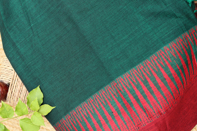 Green and Black Dual Toned Narayanpet Mercerised Cotton Saree with Temple Border