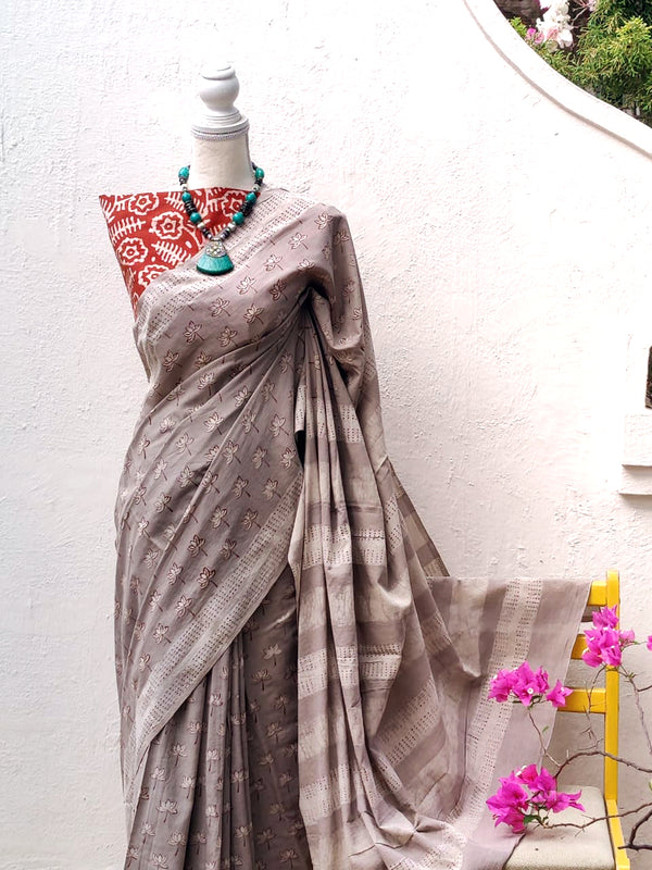 Greyish Beige Akola Block Printed Mul Cotton Saree