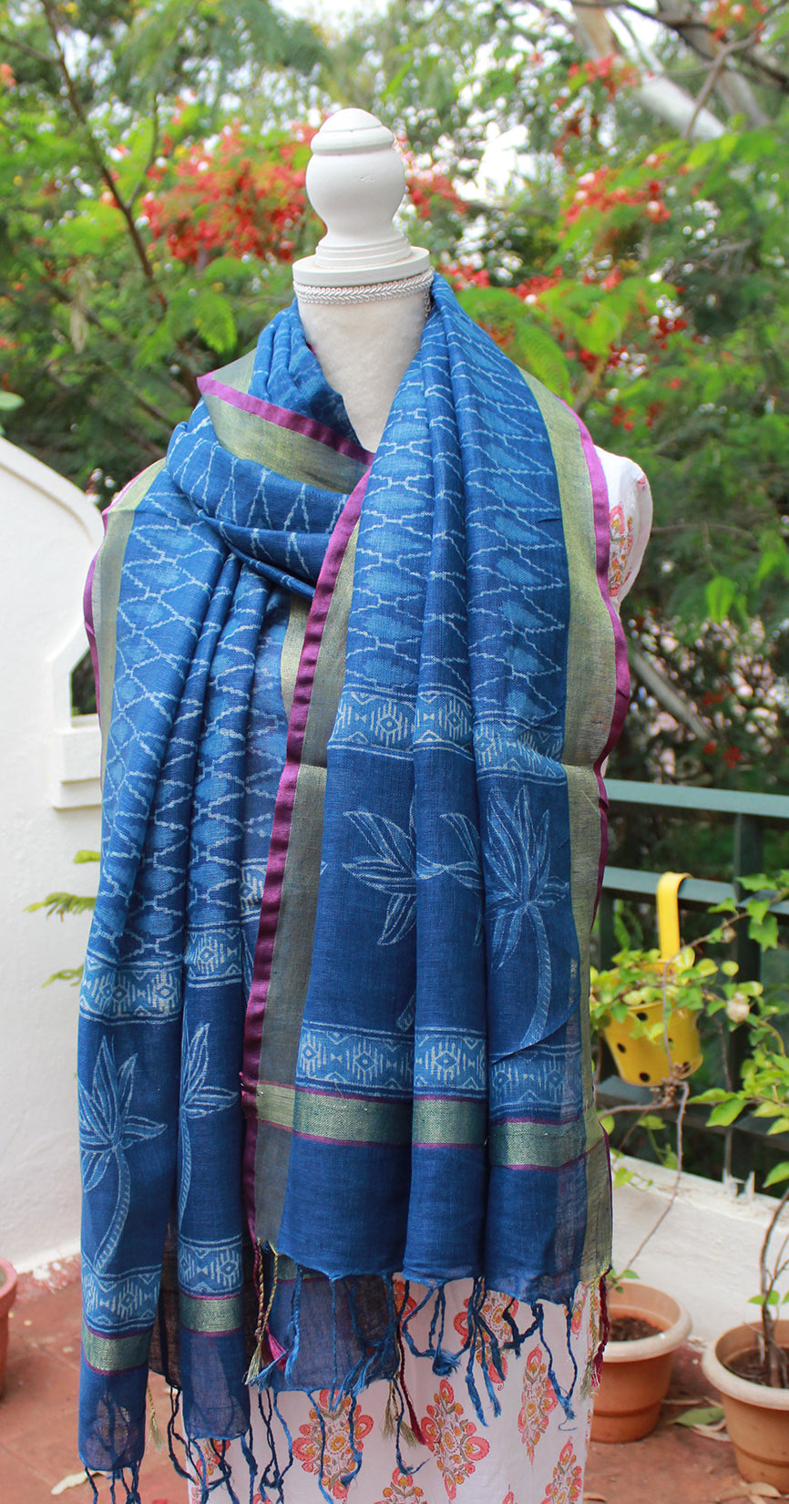 Indigo Kota Doria Cotton Hand Block Printed Saree with Red Jacquard Cotton Blouse Piece