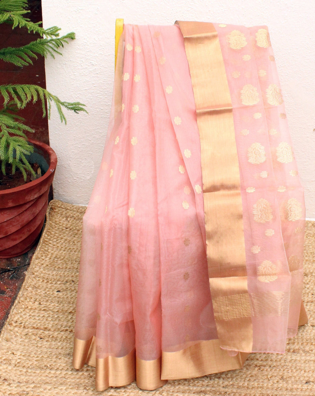 Light Pink Chanderi Silk Organza Handloom Saree with Golden Brocade Blouse Piece