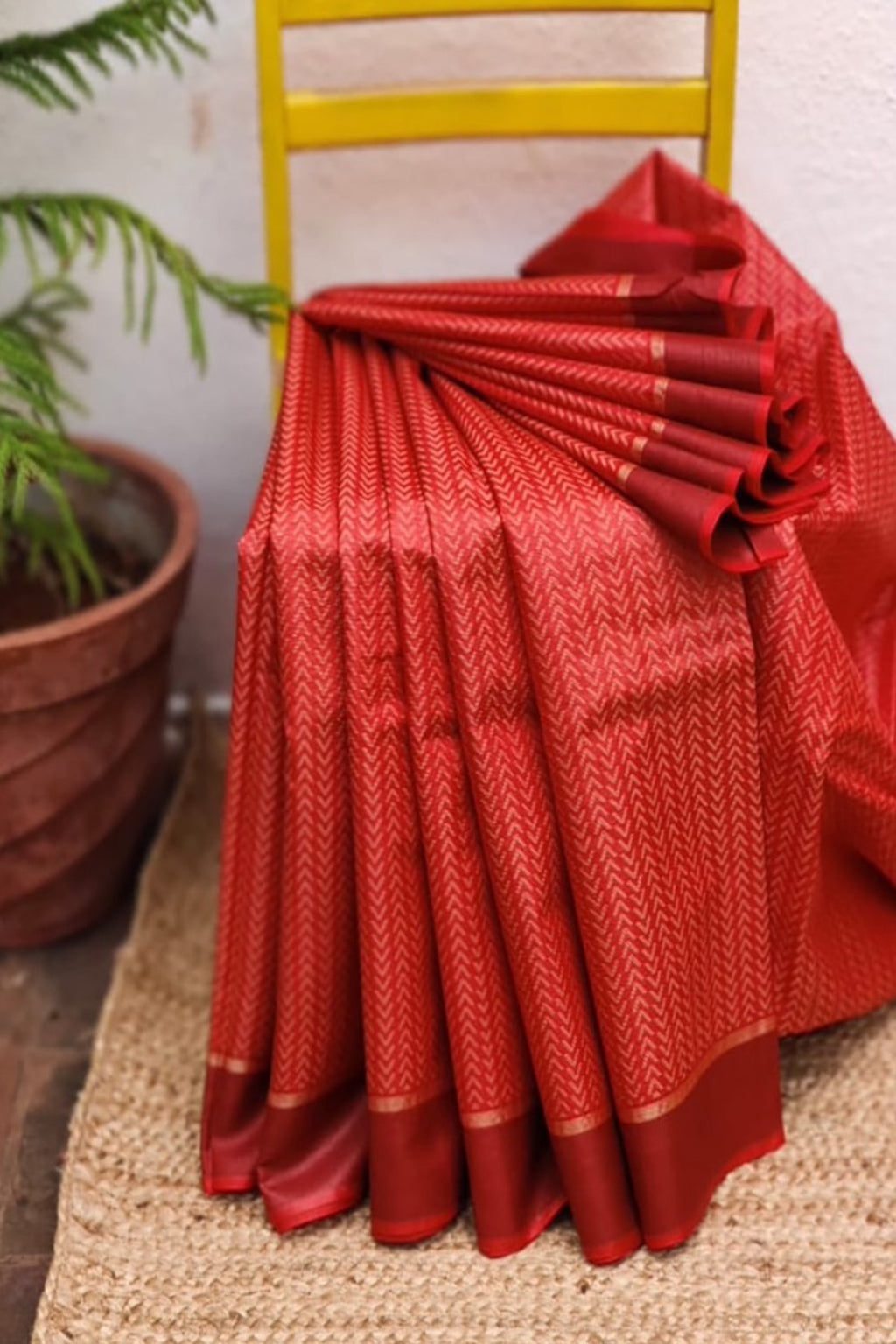 Red Kosa Silk Handloom Saree With Chevron Woven Design