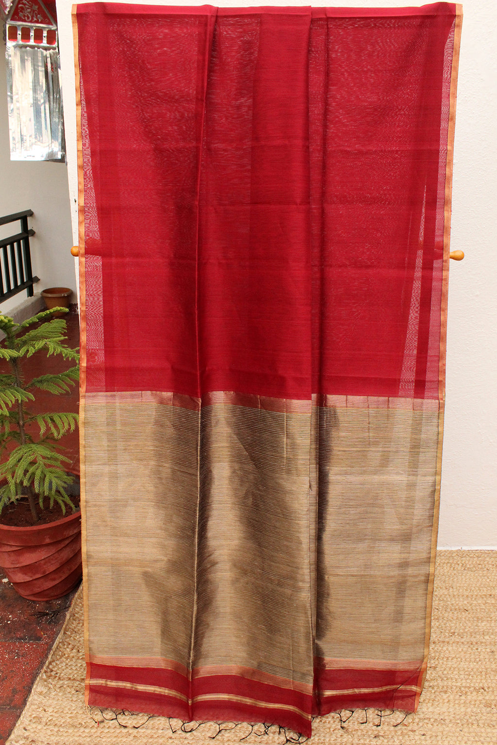 Red Chanderi Cotton Silk Handloom Saree with Golden Zari and Gicha Pallu