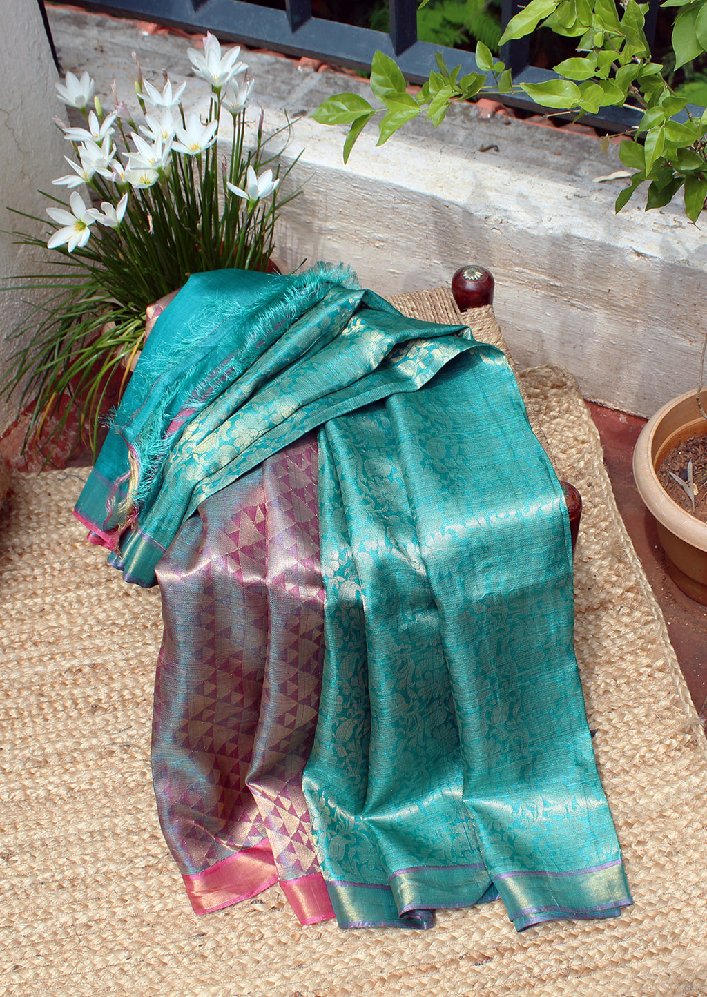 Sea Green and Pink Kosa Silk Handloom Saree with Woven Zari Work All Over