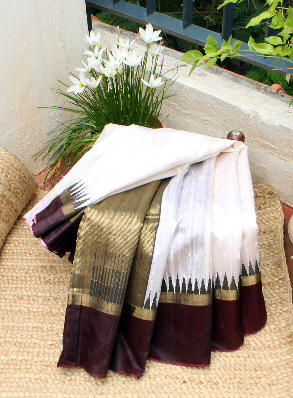 Off-White Raw Silk Handloom Saree with Maroon and Black Dual Toned Temple Border