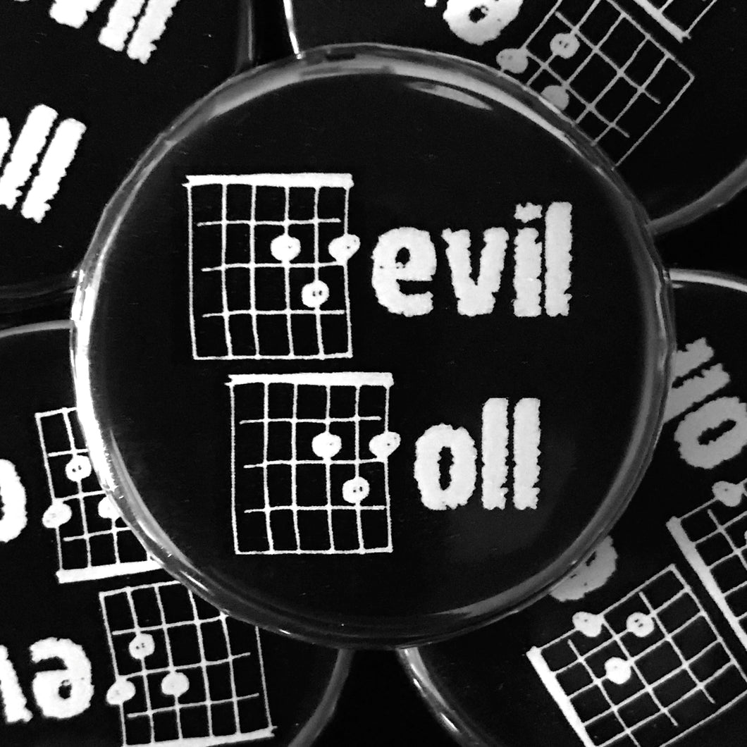 Devil Doll (Guitar-Horror) Button