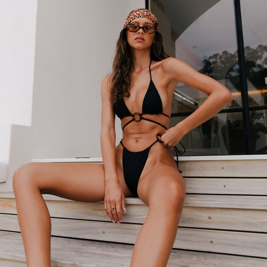 ZIGGY BLACK RIB / BLACK PLAIN REVERSIBLE BIKINI BOTTOMS.