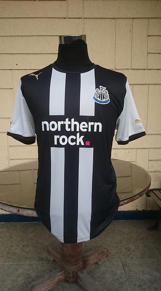 ENGLISH PREMIER NEWCASTLE UNITED FC 2011-12  PREMIER LEAGUE 5TH PLACE HOME PUMA SHIRT LARGE/ STYLE # 739569 - vintage soccer jersey