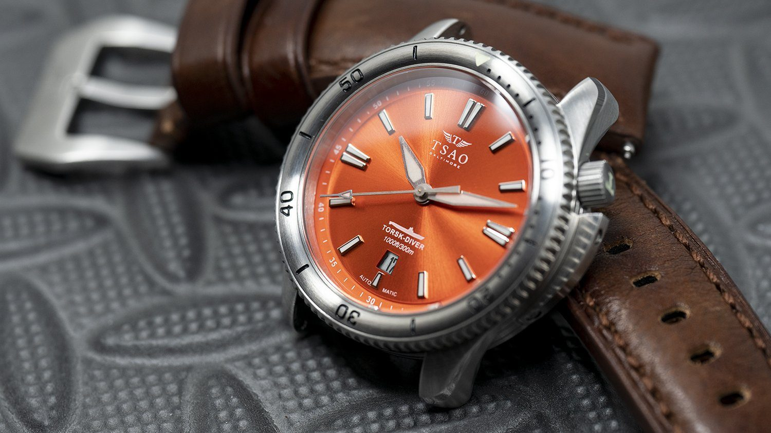 STEEL TORSK-DIVER - CAMDEN ORANGE