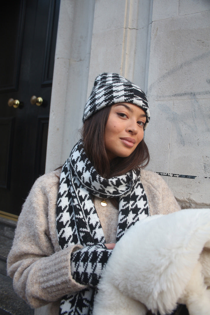 Houndstooth Black Beanie Hat