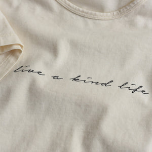 Live a Kind Life - Women's Boxy Tee (Natural)