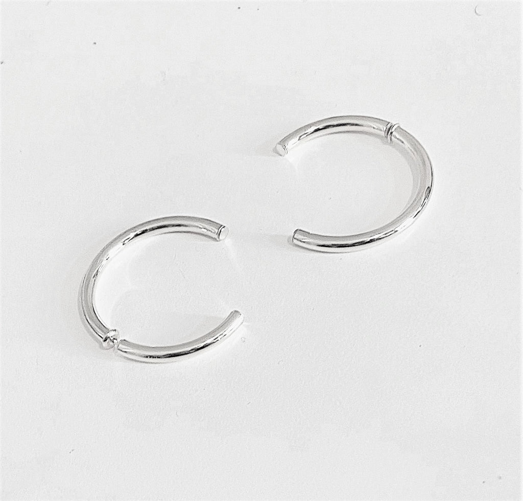 La INCOMPLETO Hoops Silver - Georgiana Scott Jewellery