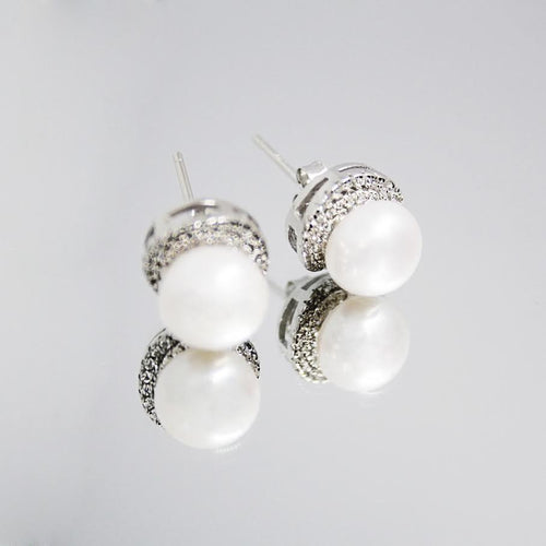 La PRINCIPESSA Earrings - dove white natural pearls & sparkling cubic zirconia stones.