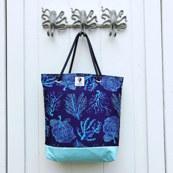 A FAN OF BLUE CORAL BUCKET BAG