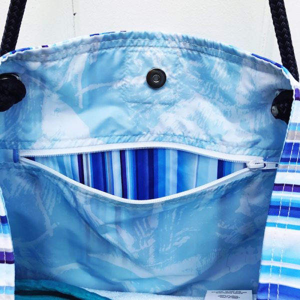 THE TRUE BLUE CLASSIC BEACH BAG