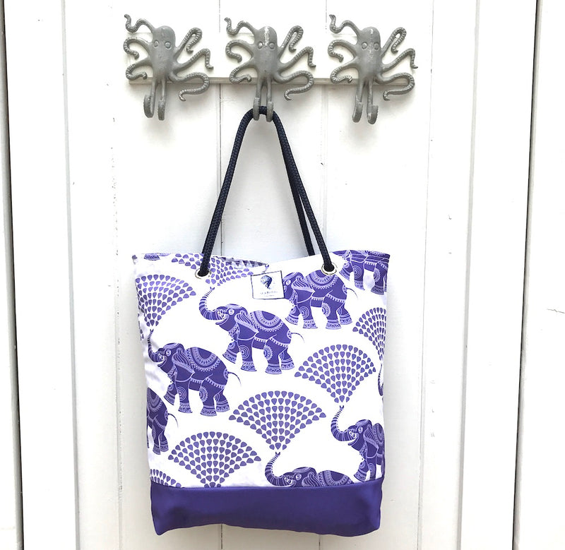 ELEPHANT RAIN BUCKET BAG