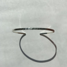 Load image into Gallery viewer, SKINNY BANGLE