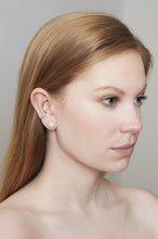 Load image into Gallery viewer, THE C&D PEARL Earrings