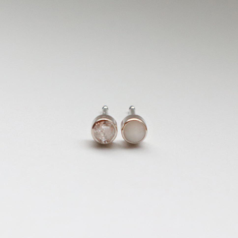 BEZEL EARRINGS - DIAMOND