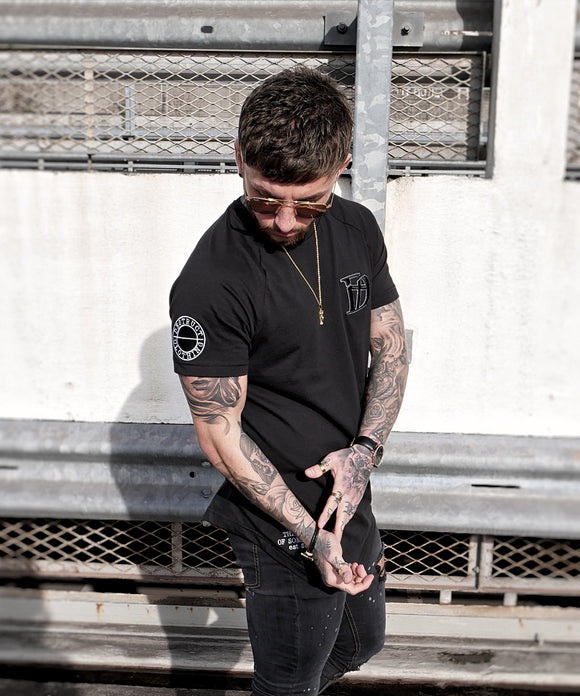 Black Signature Fitted T-Shirt - Destruct Clothing
