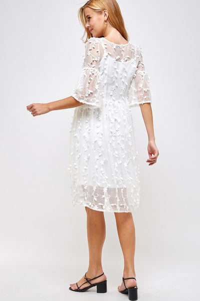 VINNING WHITE LACE DRESS