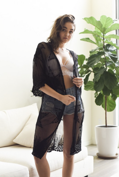 NORTH STAR KIMONO IN BLACK