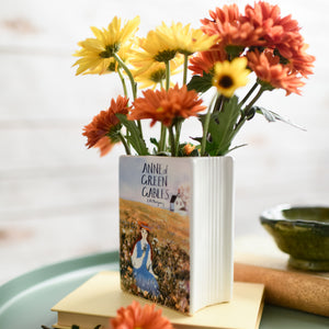 BOOK VASE - Anne of Green Gables cover