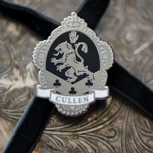 ENAMEL PIN - Twilight Cullen Crest