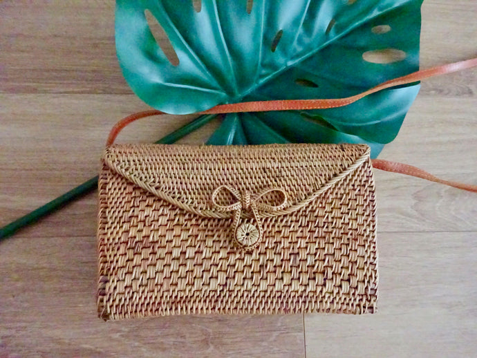 Lila rectangular bag - woven bow closure