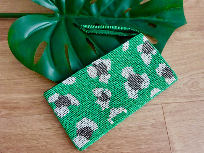Beaded wristlet - leopard green