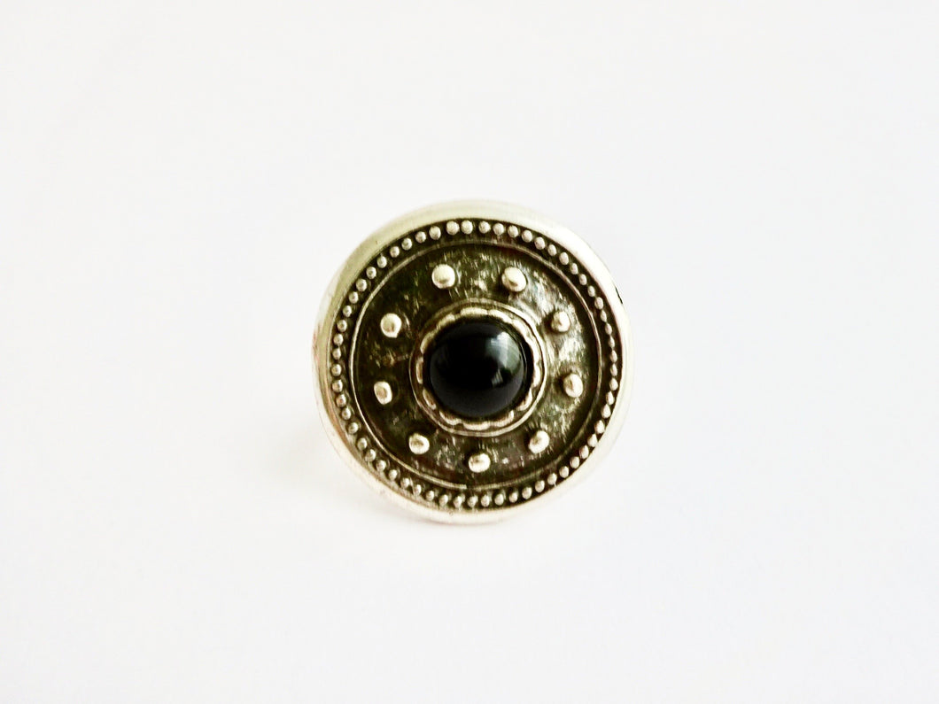 Iri ethnic ring