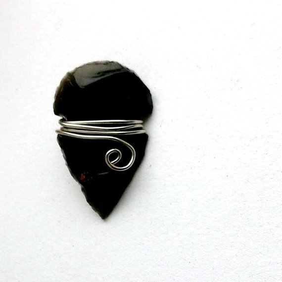 Black Arrowhead Necklace - Simple Setting