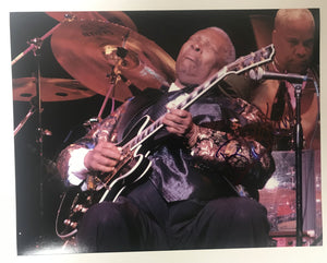 B.B. King (d. 2015) Signed Autographed Glossy 11x14 Photo - COA Matching Holograms